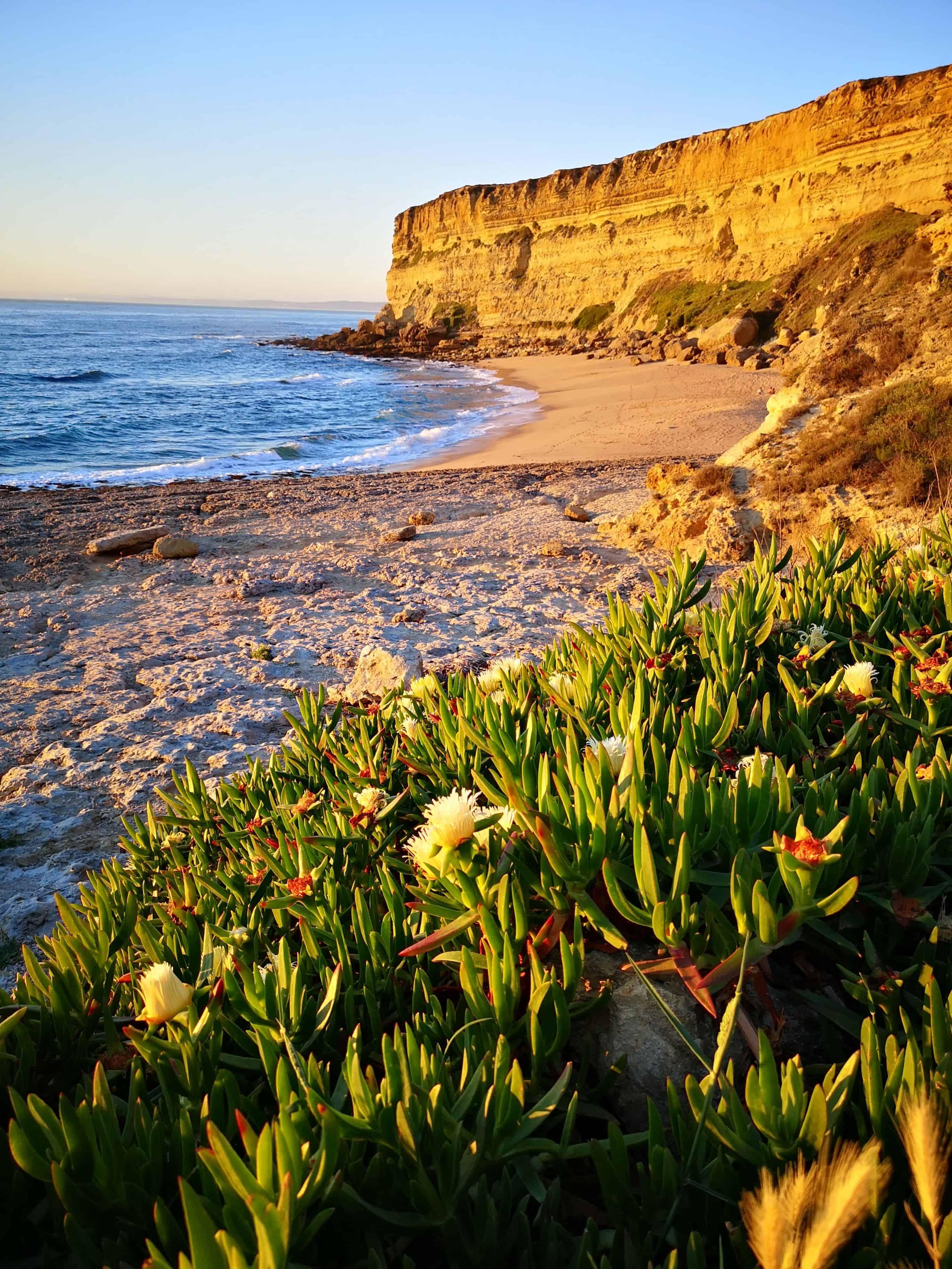 plage de rêve à lisbonne pour le coucher de soleil près de sesimbra et caparica