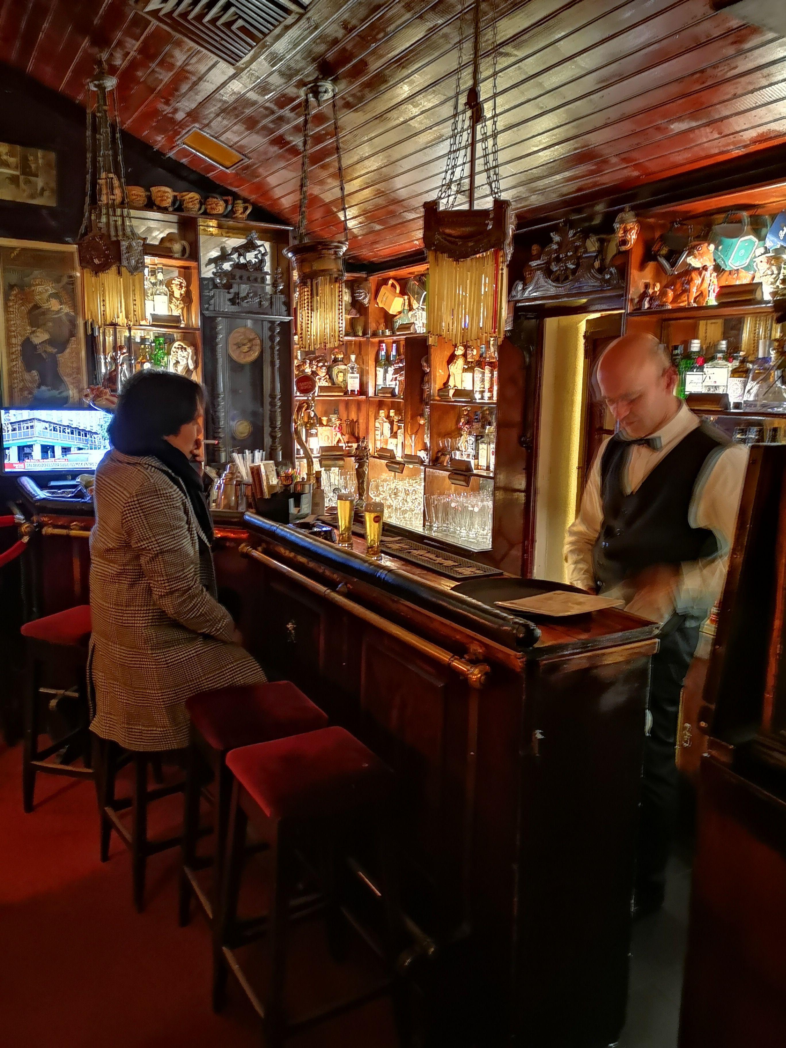 Bar procopio à Lisbonne, un speakeasy célèbre pour ses intrigues politiques pendant la guerre froide.
